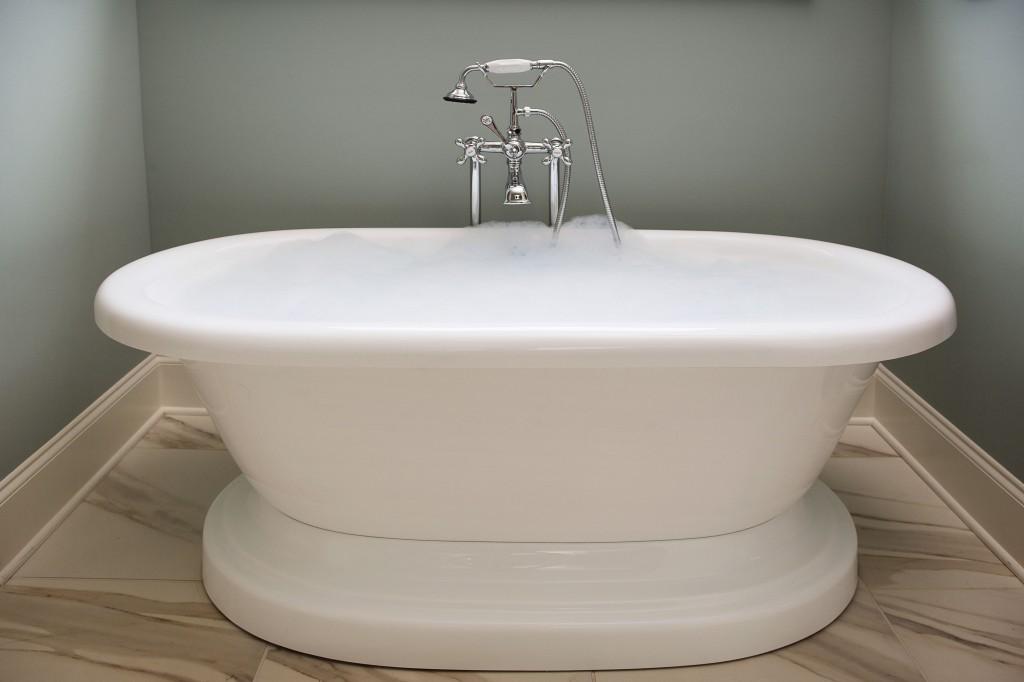 Edward andrews homes atlanta home builders custom for Free standing soaking tub